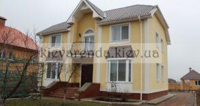 Продам шикарный жилой коттедж.  Расположен в  с.Гатное. (Царское село)